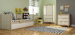 Lietots mēbeles. Simple istaba. Jauniešu pusaudžu komplekti